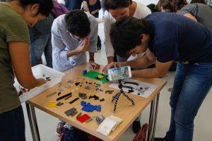 Una de las actividades colectivas de D+i: construyendo un superlego